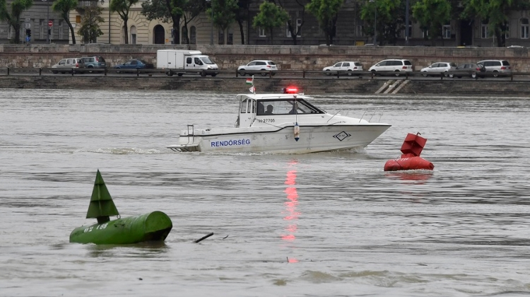 Video: Rescue Drama In Budapest After Tourist Boat Sinks In Danube Rainstorm