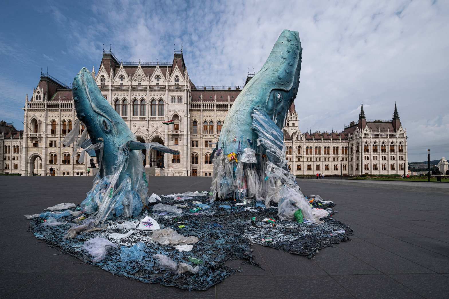 Video: Protesters Put Whale Statues Trapped In Plastic Next To Budapest Parliament