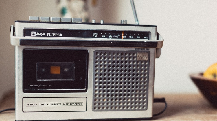 Fewer Hungarians Tune In To Radio Every Day