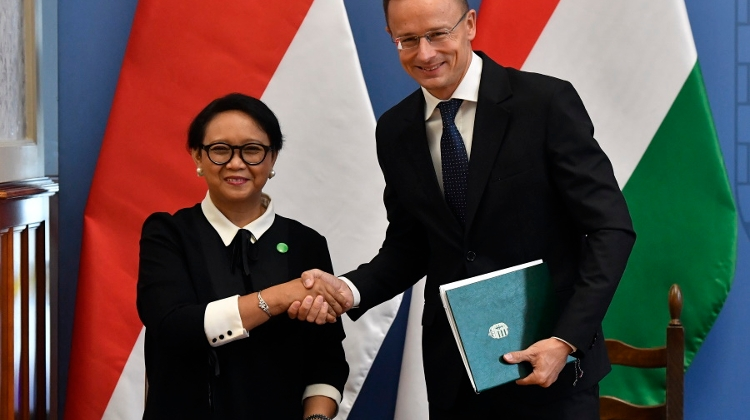 Indonesian Foreign Minister Visits Hungary