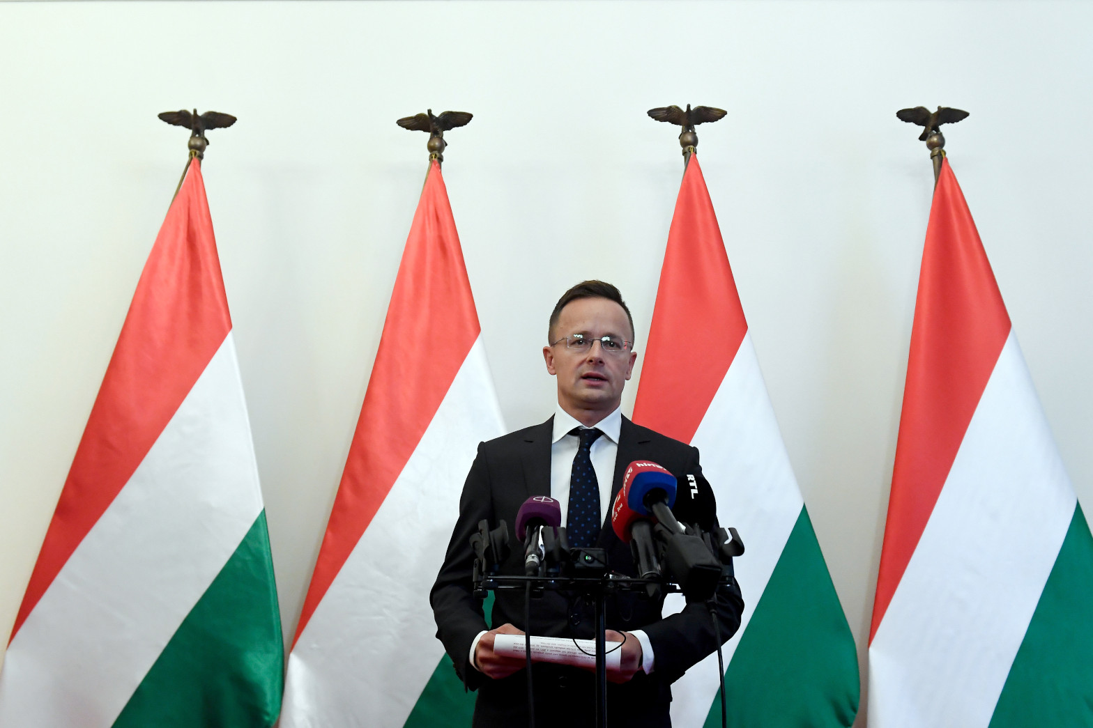Hungary's Foreign Minister: Boris Johnson 'Knows What He Is Doing'