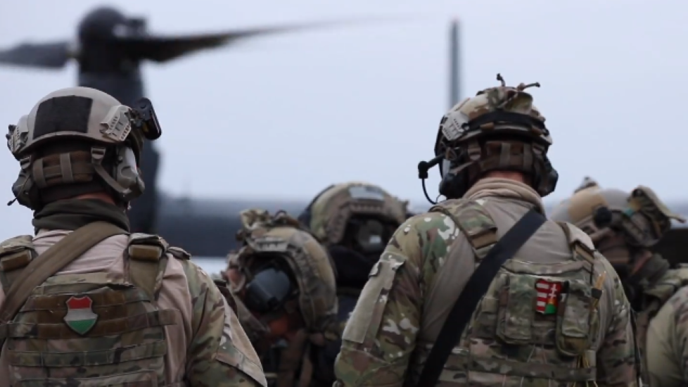 Video: U.S. Special Forces With Hungarian Special Operations Command Hold Joint Exercise Over Budapest & In Szolnok