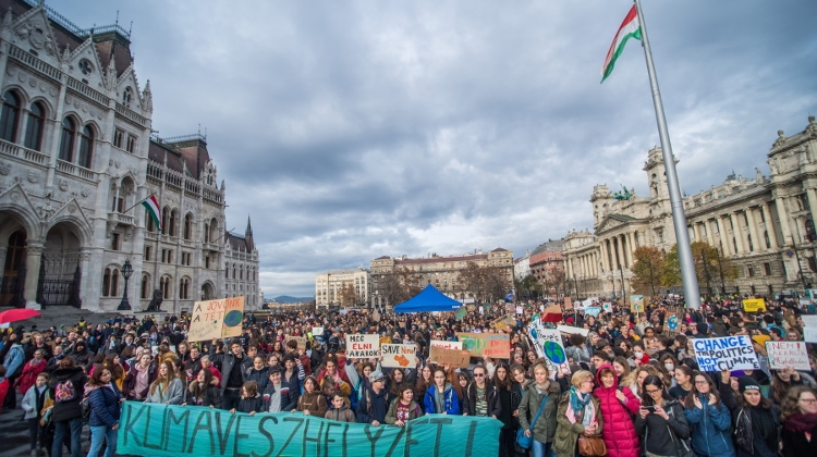 Thousands Take Part In Climate Rally In Budapest & Across Hungary