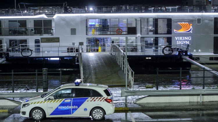 Budapest Ship Collision Viking Sigyn Captain Taken Into Custody