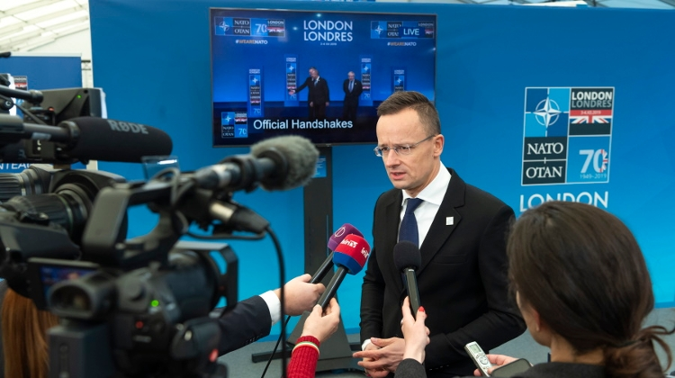 FM Szijjártó Discusses Religious Freedom With British Special Envoy