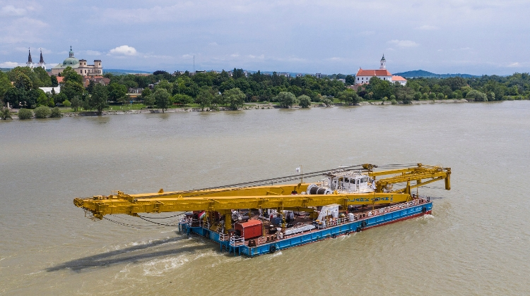 Salvage Of 'Hableány' In Budapest Delayed By High Danube Water Level