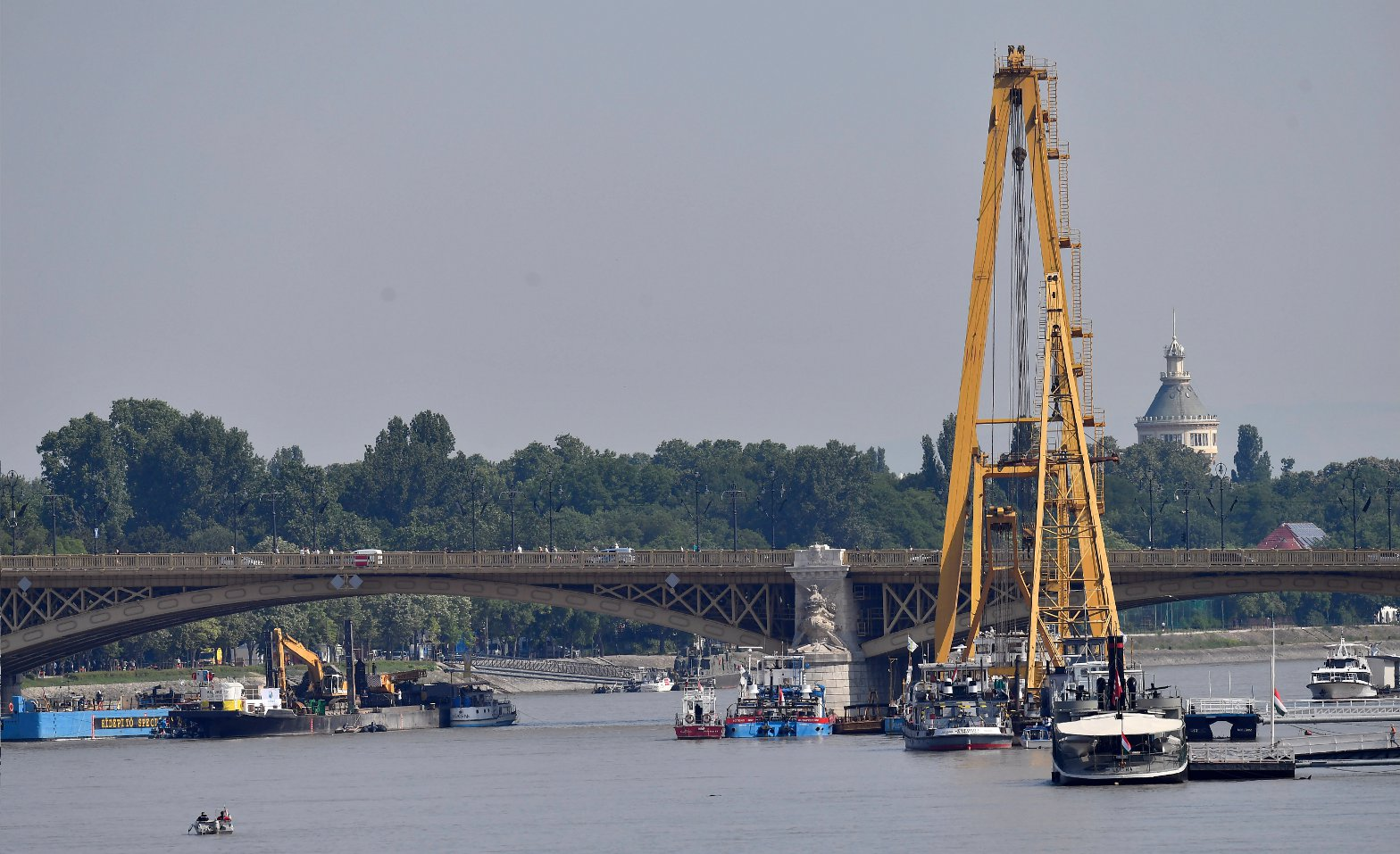 Lifting Of Wreck From Danube In Budapest Expected To Begin This Week