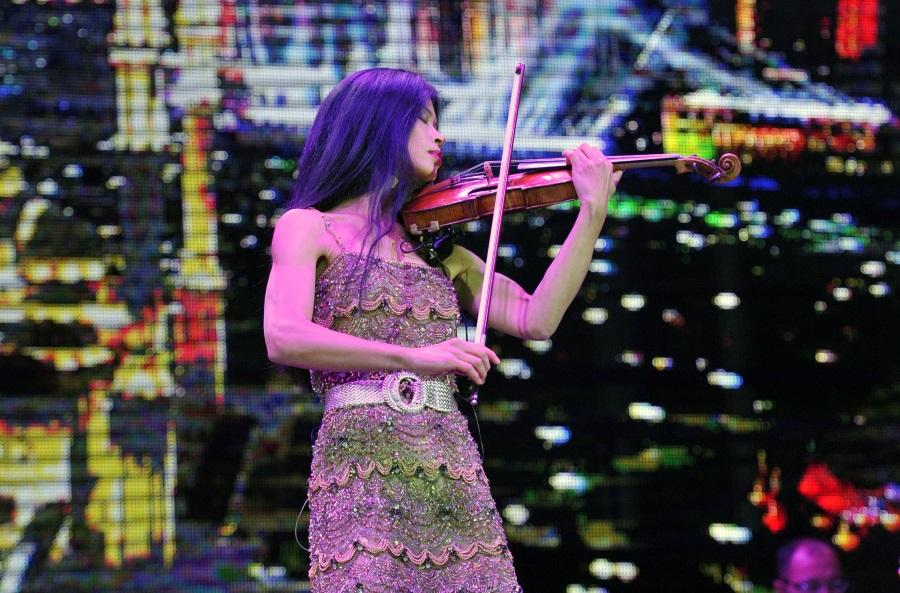 Vanessa-Mae Concert, Budapest Arena, 24 May - XpatLoop.com