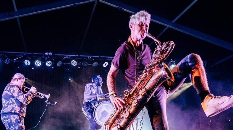 Too Many Zooz @ A38 Ship, 18 July