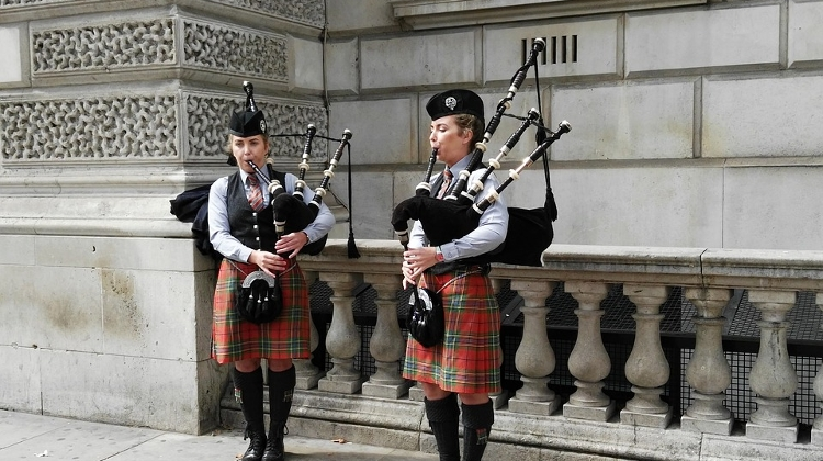 Literary Evening, Bagpipe Competition To Mark Burns Anniversary In Budapest