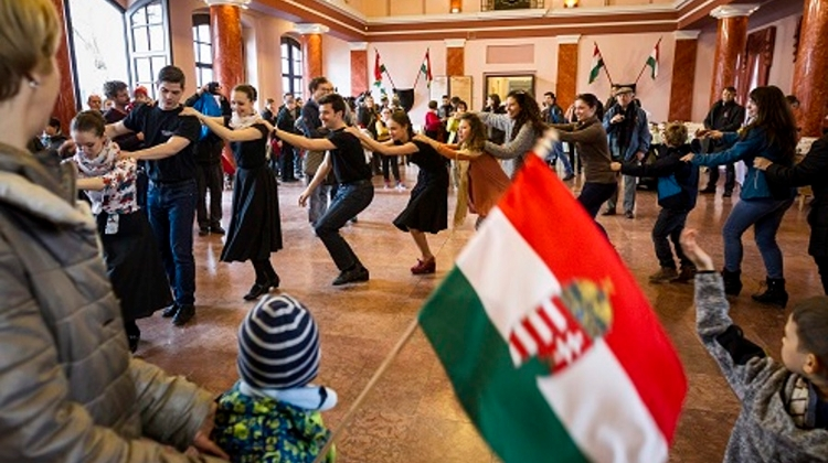 National Holiday :Free Family Programs In Buda Castle