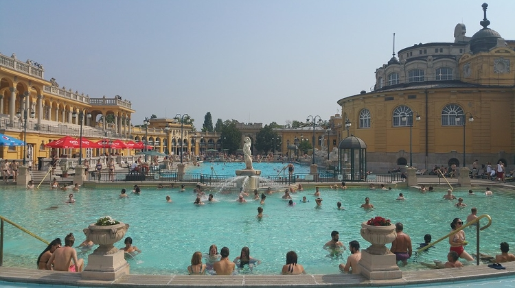 Video: Why Budapest Is Called Capital Of Thermal Baths