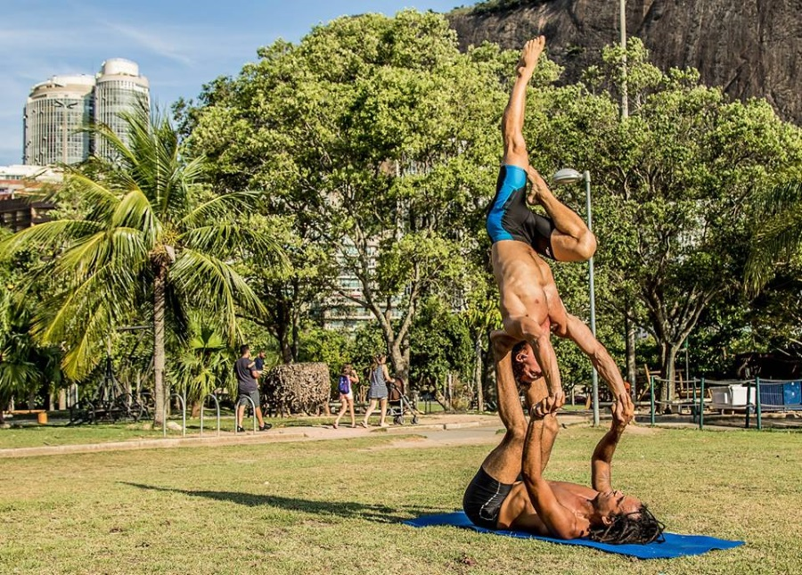 Acro Yoga Weekend With Brazilian Vibe