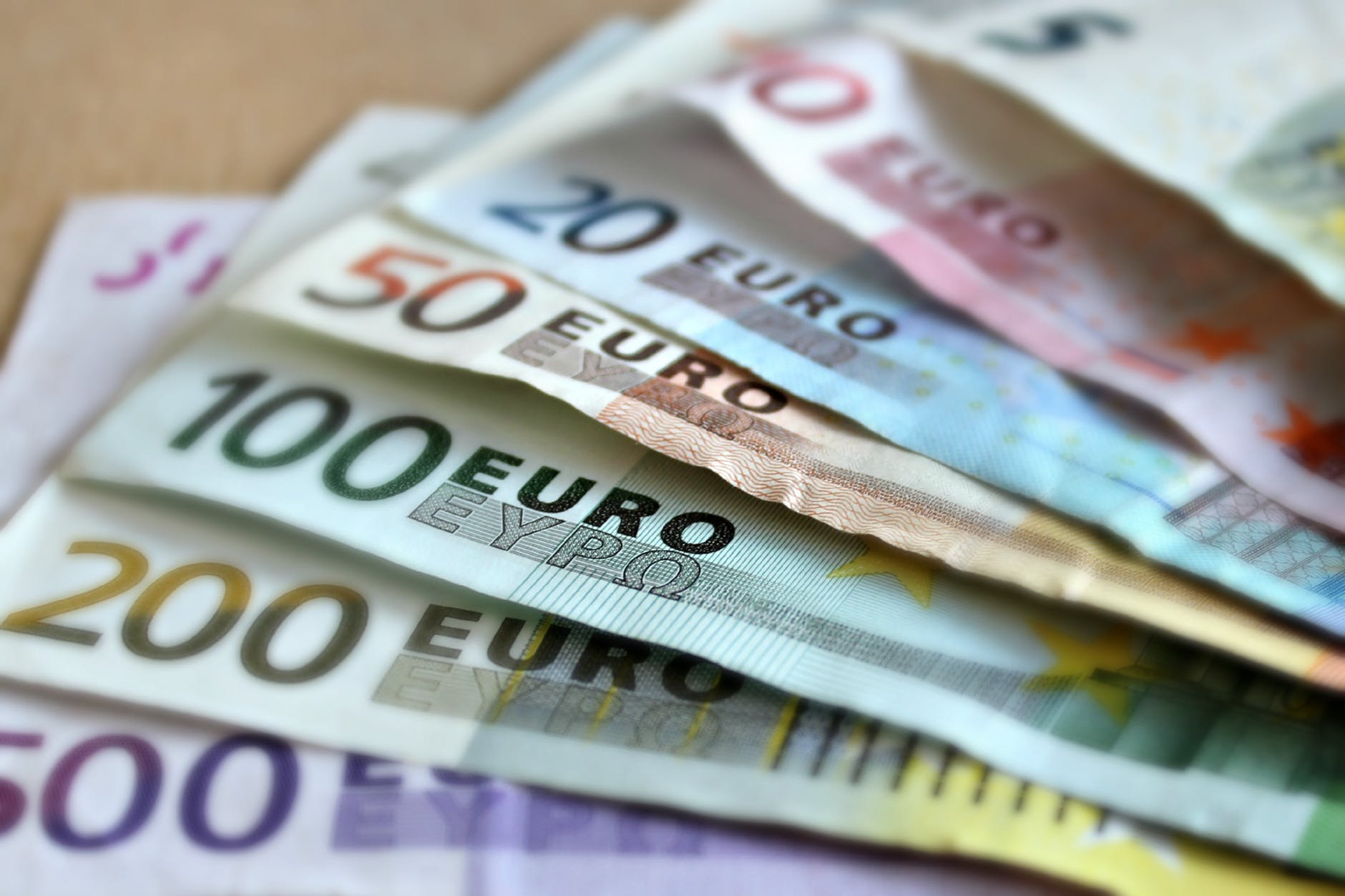Hungary Trade Surplus Narrows To EUR 556 Million In June