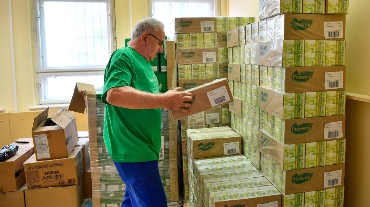 Hungarian Charity Food Bank Expands