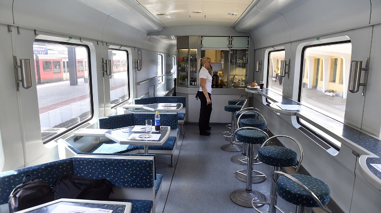 Balaton Express Trains Started Serving 'Street Food'