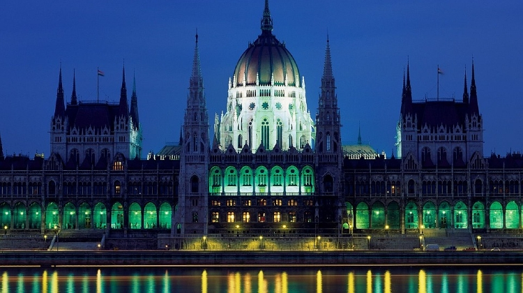 Hungarian Parliament Ranked Among 10 Top Tourist Attractions Around Globe