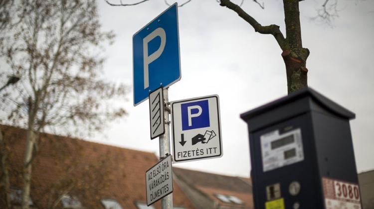 Budapest District Mayor Takes Parking Spaces From Russians
