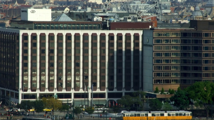 Five-Star Budapest Hotel Sofitel To Change Hands