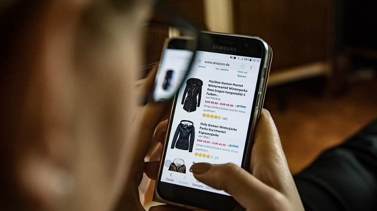 Online Stores Take Growing Slice of Fashion Market In Hungary