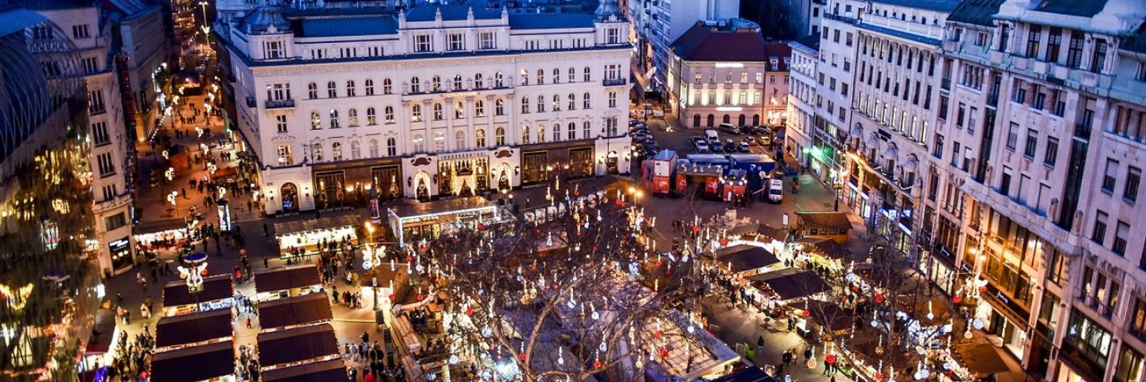 Video: Big Xmas Market Open In Budapest