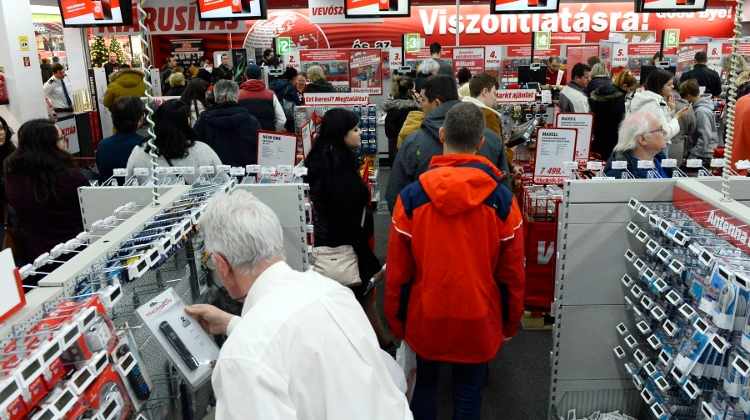 Hungary Holiday Retail Sales On Track To Hit New Record