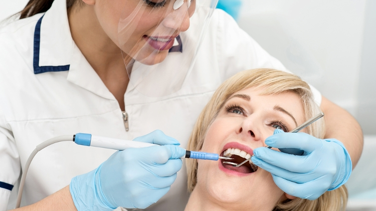 Free Dental Hygiene Treatment For Expats At Kreativ Dental Budapest