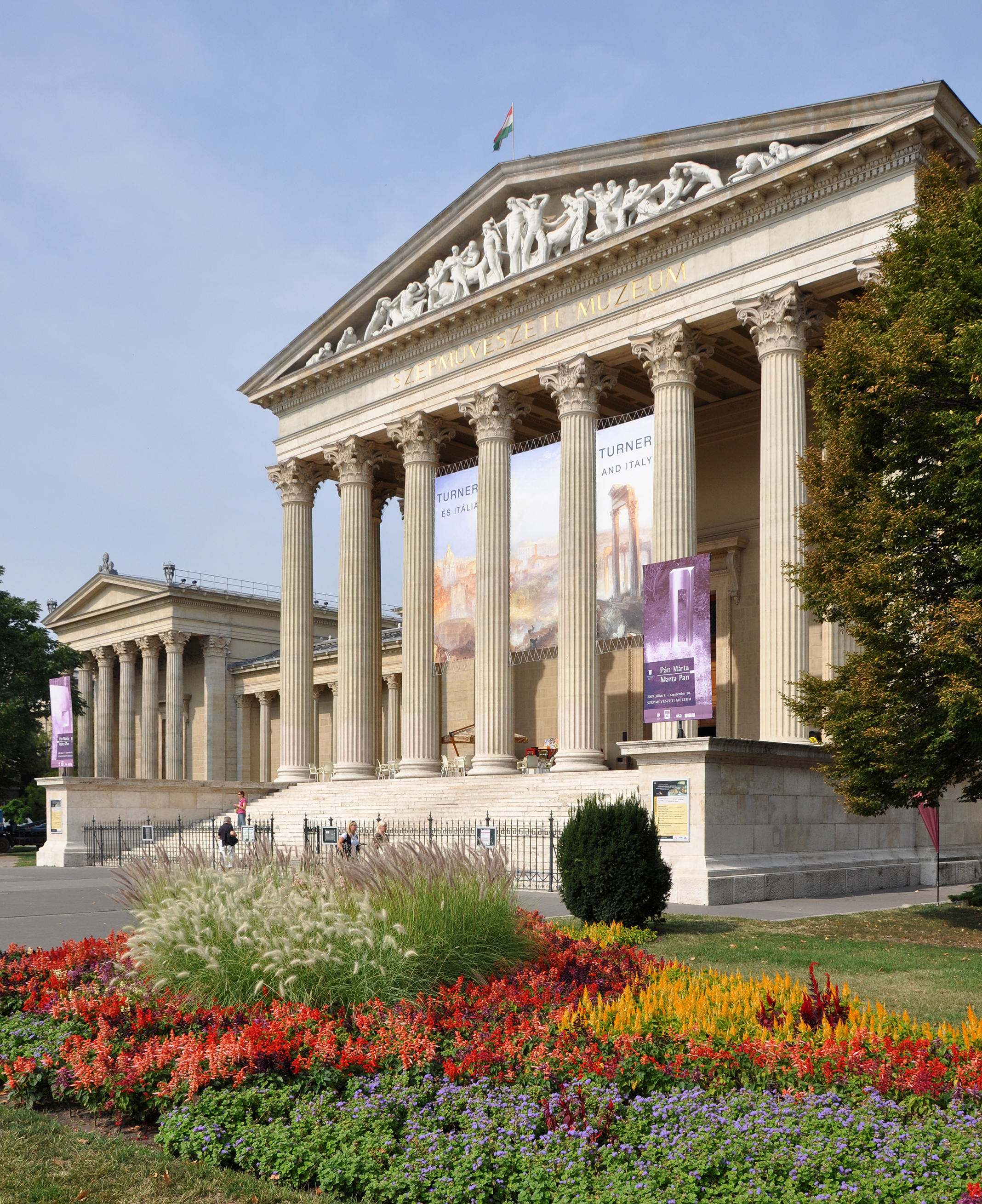 Discover Museums In Budapest For A Discount Price With MiniCards