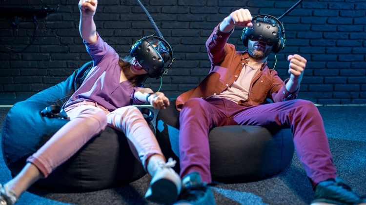Amazing Virtual Reality 'Theme Park Of The Future' In Budapest