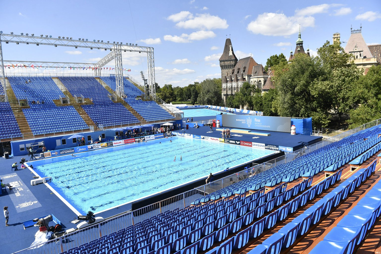 Budapest To Host World Aquatics Championships In 2027