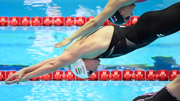 Hungarian Swimming Star Hosszú Wins Fourth Medley World Title