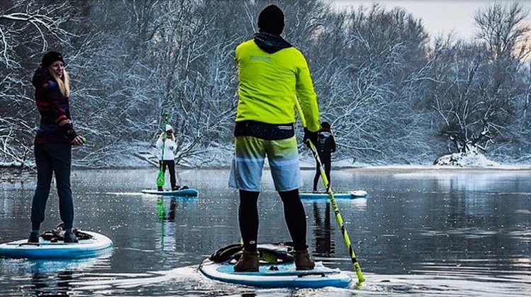 'Christmas SUP' In Budapest, 23 December