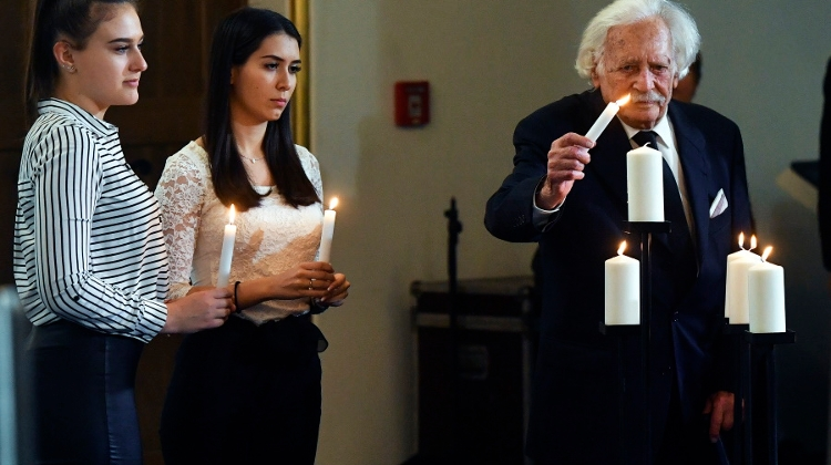 Holocaust Remembrance Day Marked In Budapest
