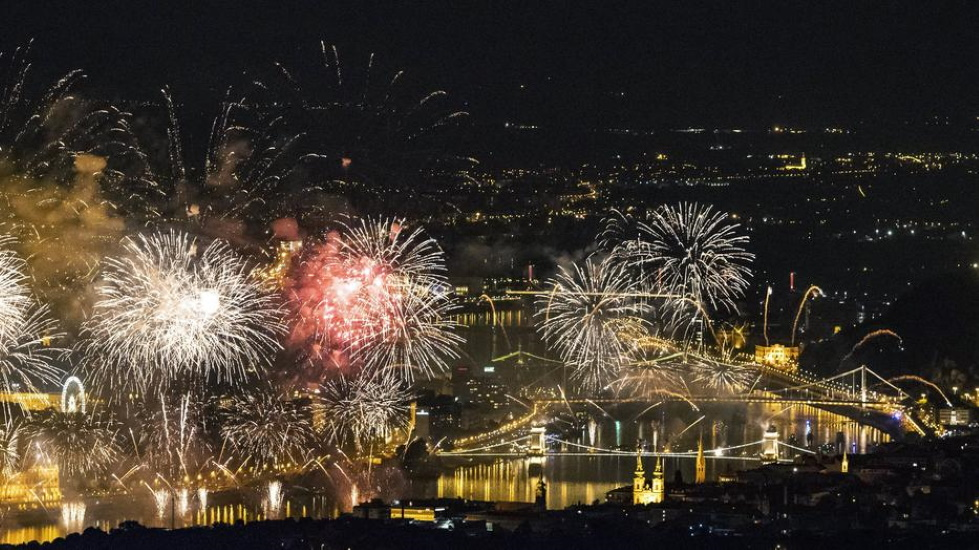 New Petition Aims To Replace August 20 Fireworks In Budapest With Light Show