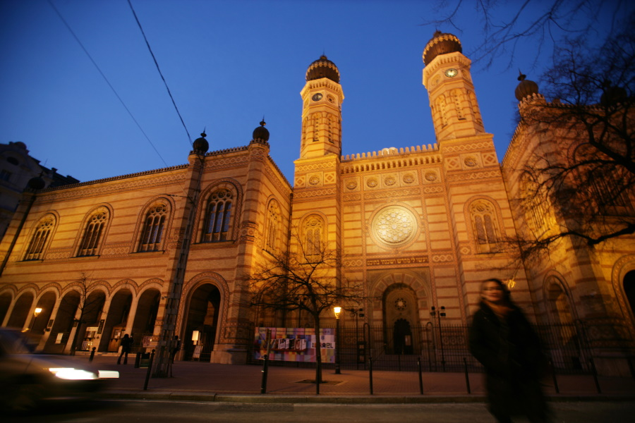 Jewish Community Closes Down Budapest Synagogues Over Coronavirus Fears