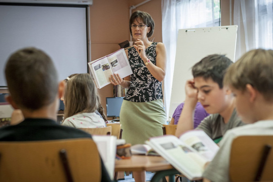 Fewer Young Teachers In Hungarian Schools, More Children Segregated