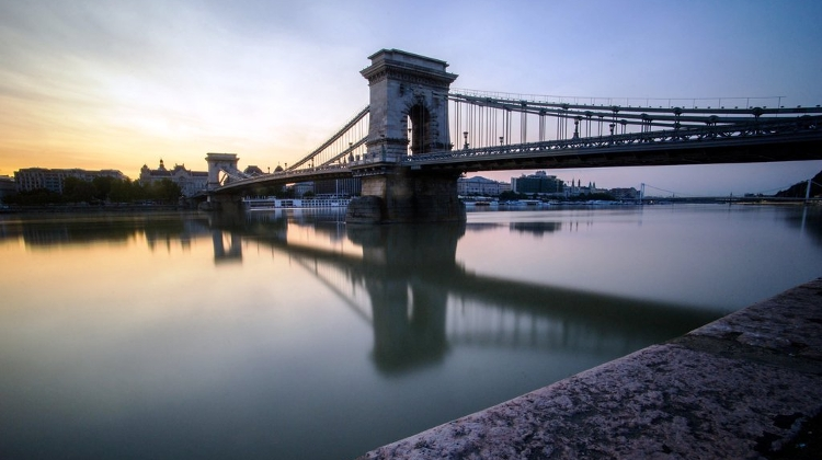 Budapest Assembly Votes For Review Of Chain Bridge Reconstruction Plans