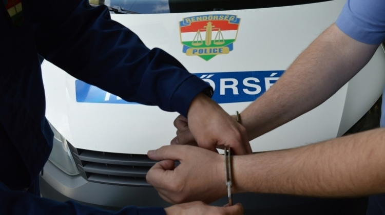 Video: UK Linked Gang Arrested For Stealing Money & Jewellery From Hungarian Elderly