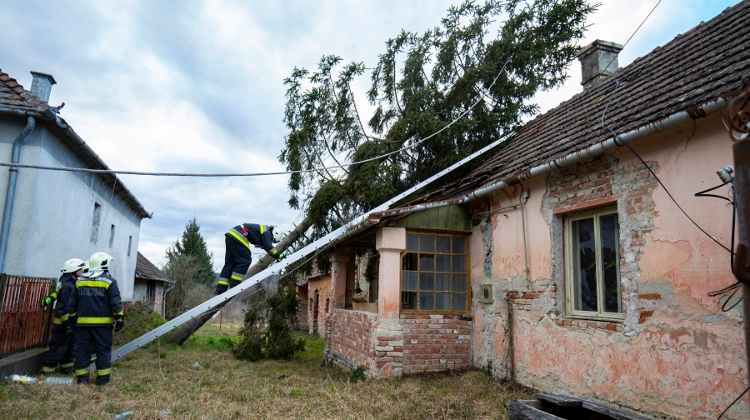Disaster Management Warns Of Ciara Cyclone In Hungary