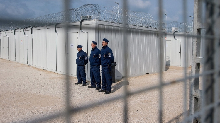 Hungarian Opinion: Transit Zones Suspend Entry For Asylum Seekers