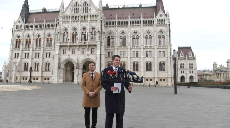 Gov't Drops Aim To Strip Mayoral Powers During Hungary's State Of Emergency