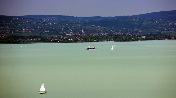 Green Party Asks Gov't To Quit Balaton 'Megalomaniacal Investment Projects'