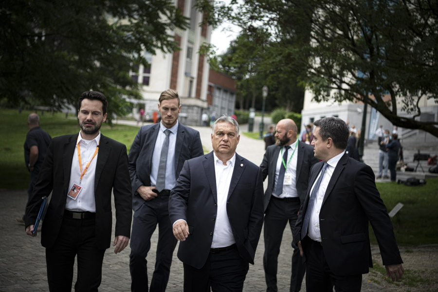 Opposition Calls On Orbán To Actually Carry Out His Party's Covid-19 Crisis Programme