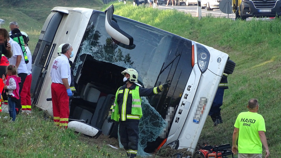 Video: Polish Tourist Bus Crashed In Hungary
