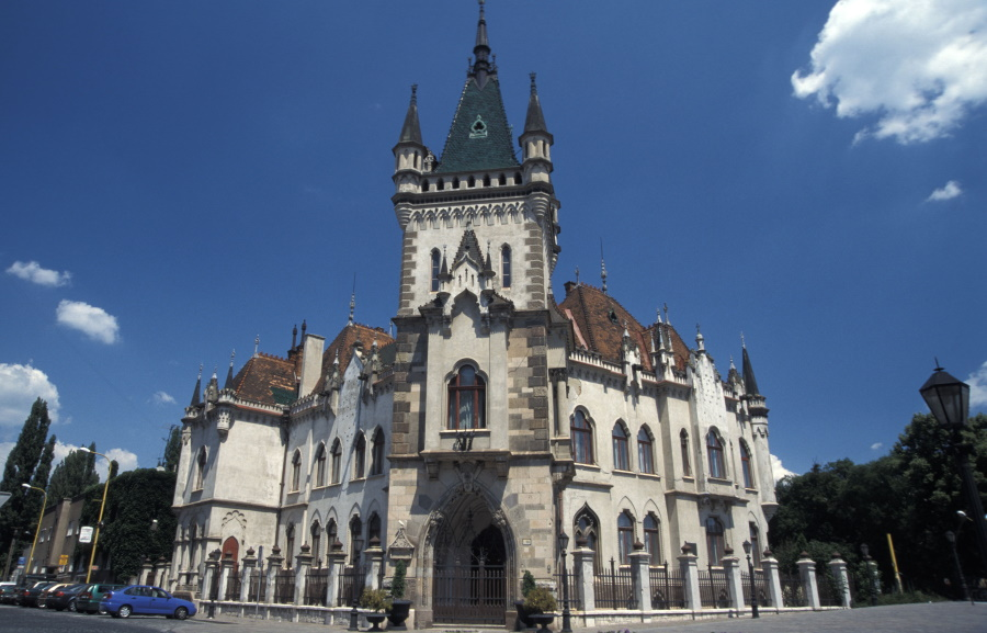 Budapest Assembly Approves Twin City Accord With Kosice
