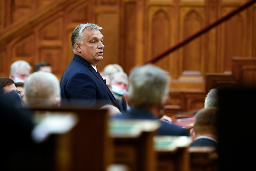 PM Orbán Urges Young People To Stick To Rules