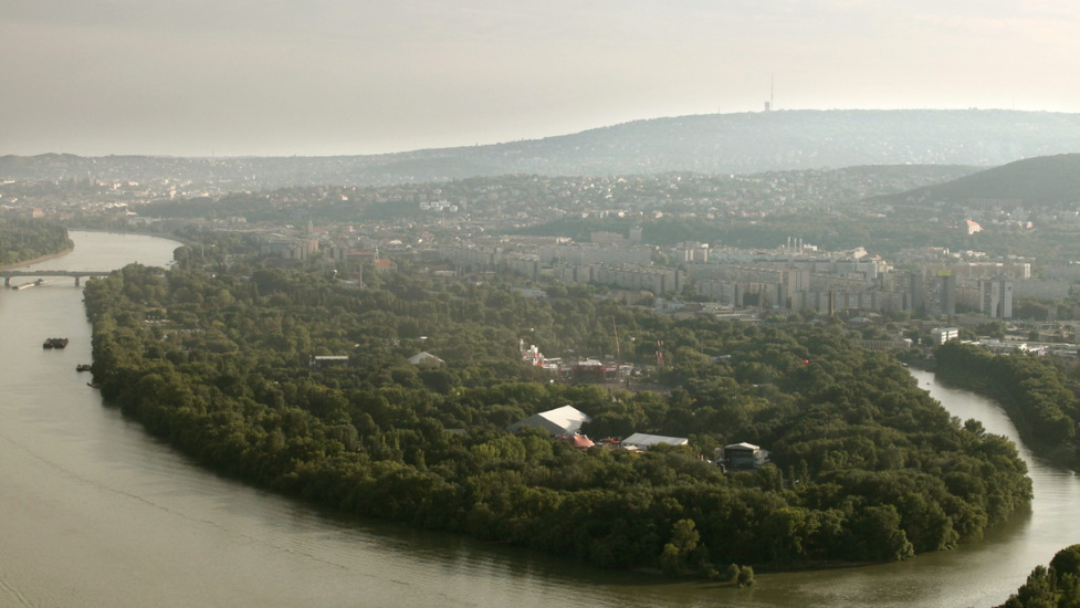 Ill-Conceived Flood Control System Is Halted On Hajógyári Island In Danube