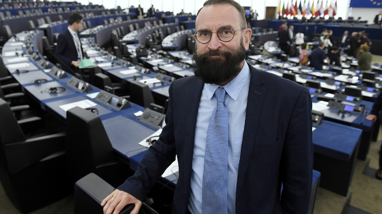 Iconic Fidesz MEP Admits He Was At Illegal Sex Party, Says Drugs Not His