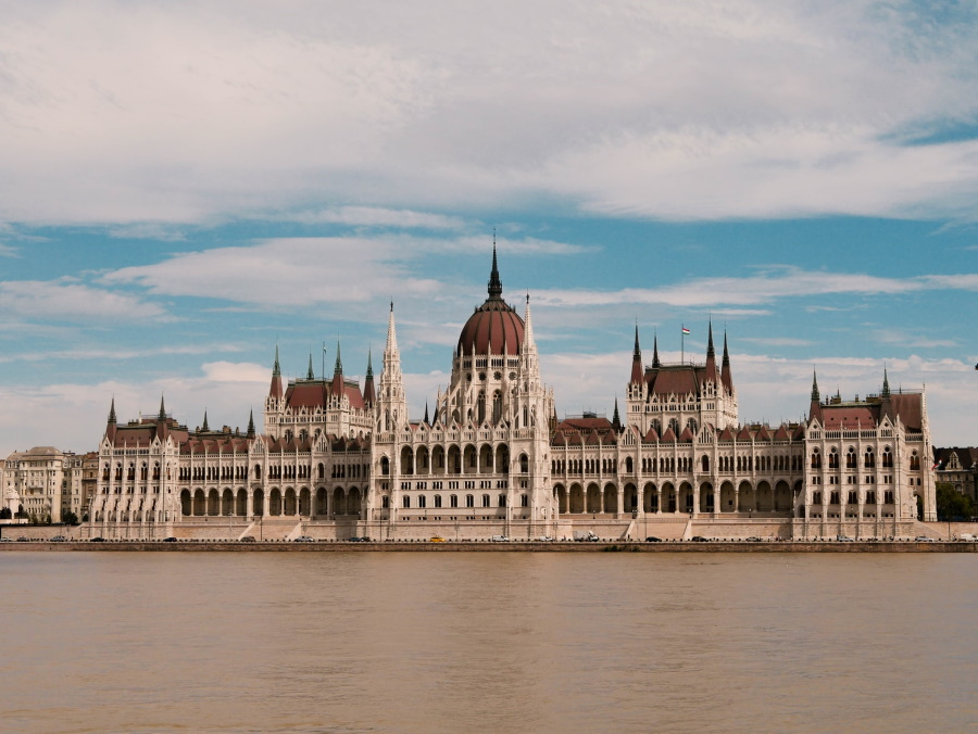 Take A Virtual Walk Around Budapest's Parliament & Peek Into Off-Limit Areas