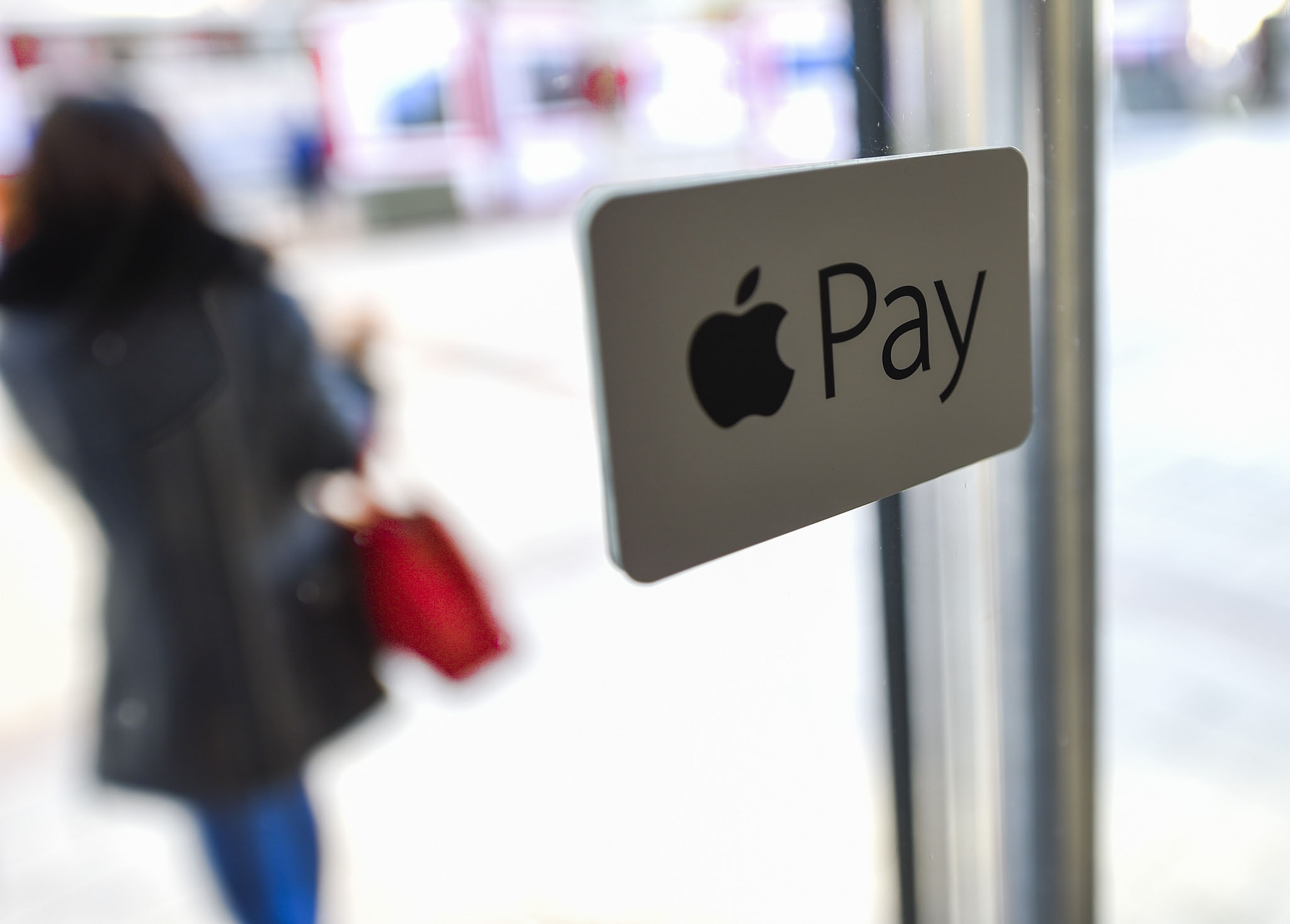 CIB Expands Use Of Apple Pay In Hungary
